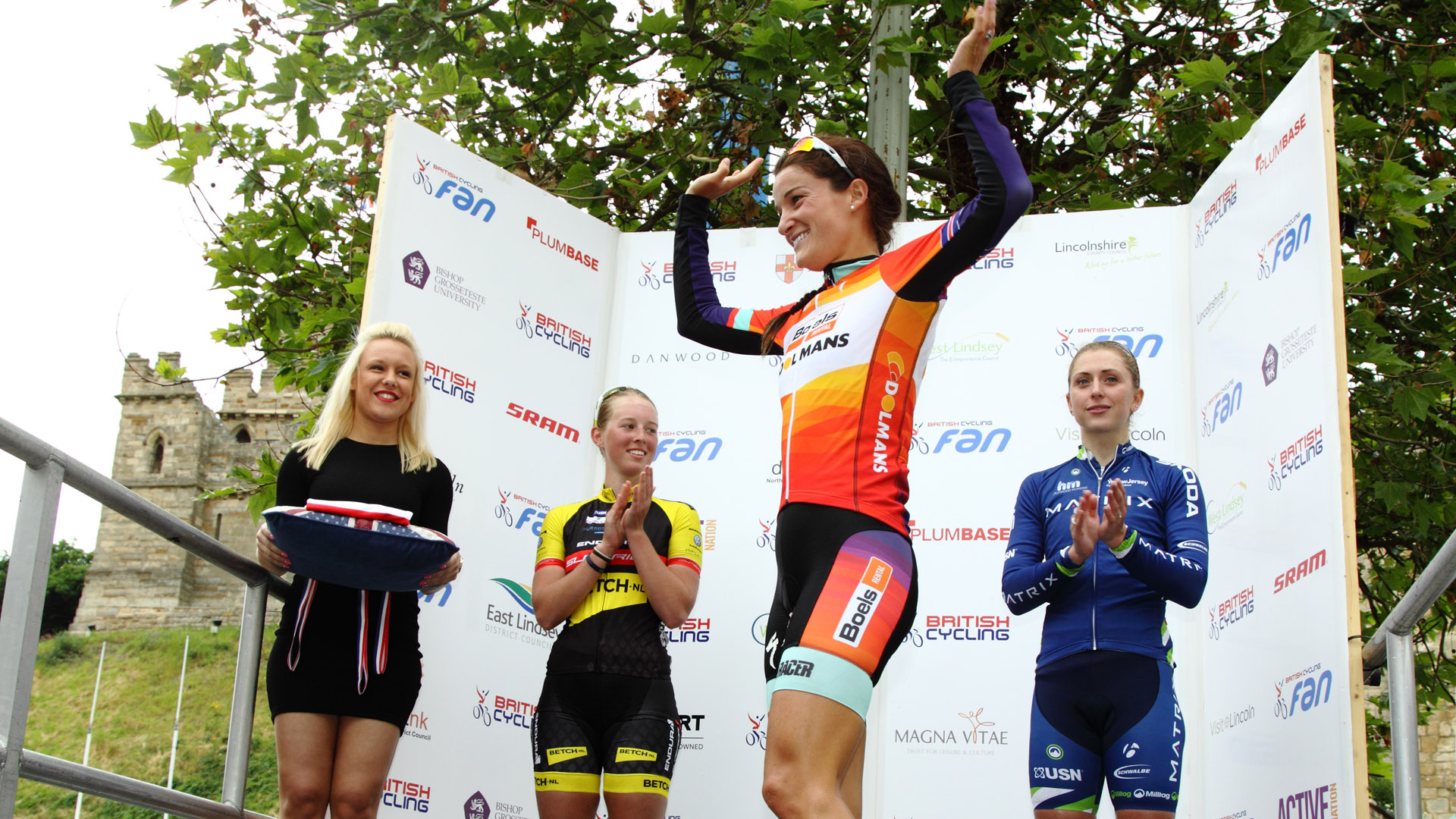 British Cycling National Road Race Championships 2015 Women's Top Ten  1 Lizzie Armitstead		02.51.14 2 Alice Barnes U23		@1.52 3 Laura Trott 4 Molly Weaver U23 5 Nikki Harris			@2.01 6 Katie Archibald U23 7 Hannah Barnes U23 8 Lucy Coldwell 9 Sharon Laws 10 Hayley Simmonds  Men Top Ten  1 Peter Kennaugh		04.27.33 2 Mark Cavendish MBE	@0.05 3 Ian Stannard			@0.39 4 Luke Rowe			 5 Scott Thwaites			@3.00 6 Adam Blythe 7 Owain Doull U23		@6.29 8 Yanto Barker 9 Steve Lampier 10 Jonathon Mould 15 Sam Lowe U23		@8.26 18 Matt Gibson U23		@8.45