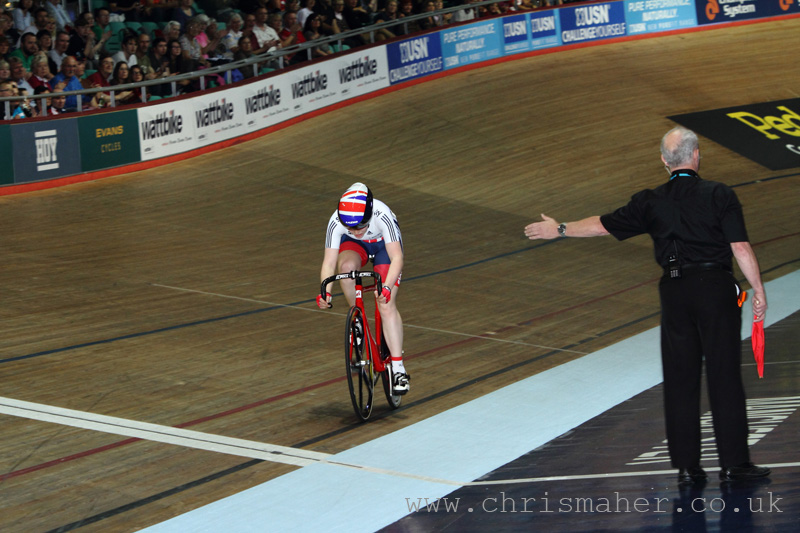 Emily Nelson, solo's to victory in the Elite Women's UCI Scratch Race.