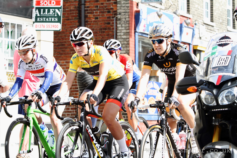 Aviva Women's Tour 2015 | Stage Two - Race Start