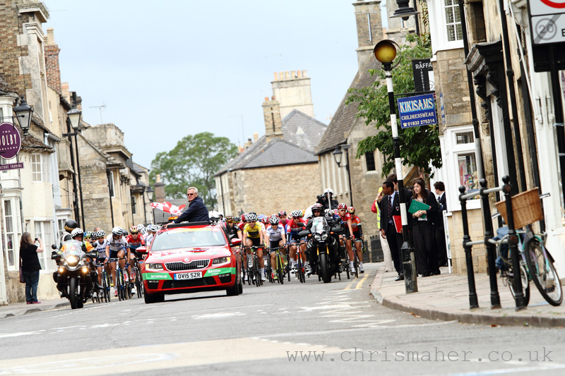 Race Start, Aviva Women's Tour 2015, Stage Three in Oundle.