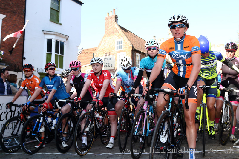 Start Line, 1st Women's Lincoln GP 2016 (Series Leader-R, Nikki Juniper Team Ford Ecoboost)