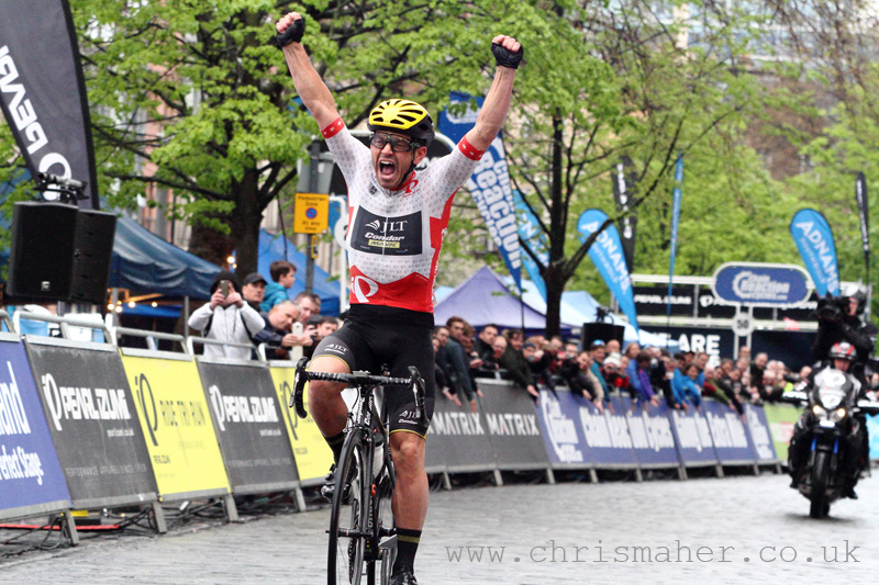 Victory to Graham Briggs in Edinburgh, Tour Series 2016