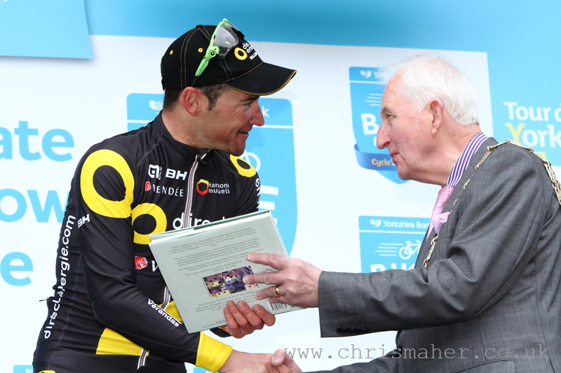 Tour De Yorkshire 2016 - Middlesbrough to Scarborough Podium with Thomas Voeckler - Direct Energie