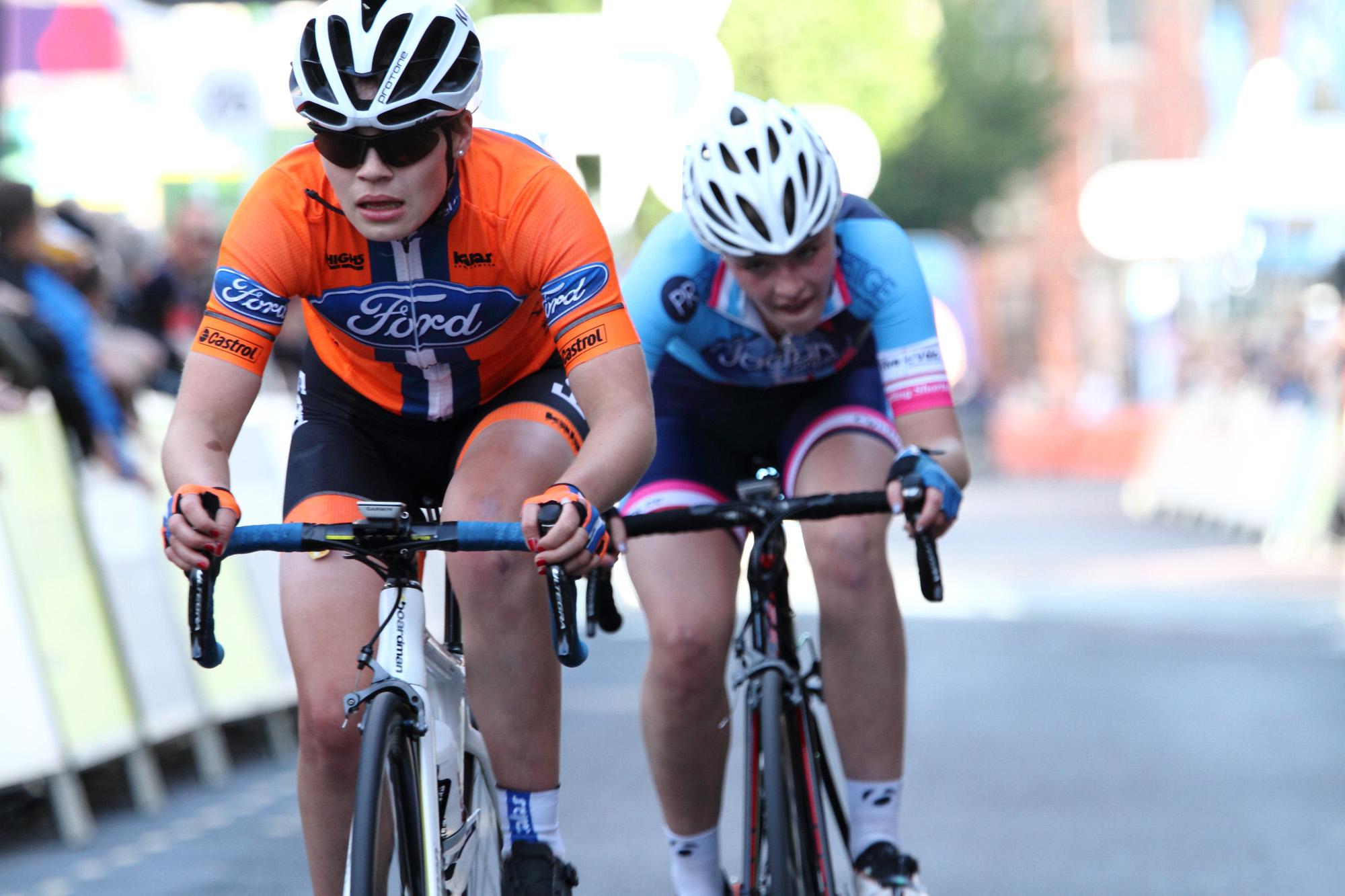Chasing hard, Henrietta Colborne, Team Ford Ecoboost & Sarah Bradford, Team Jadan-Weldtite