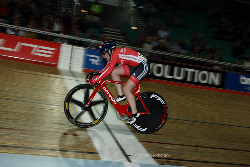 Revolution 61, Champions League 2016, Manchester, Friday Evening Session... Elite Women's Points Race Emily Nelson